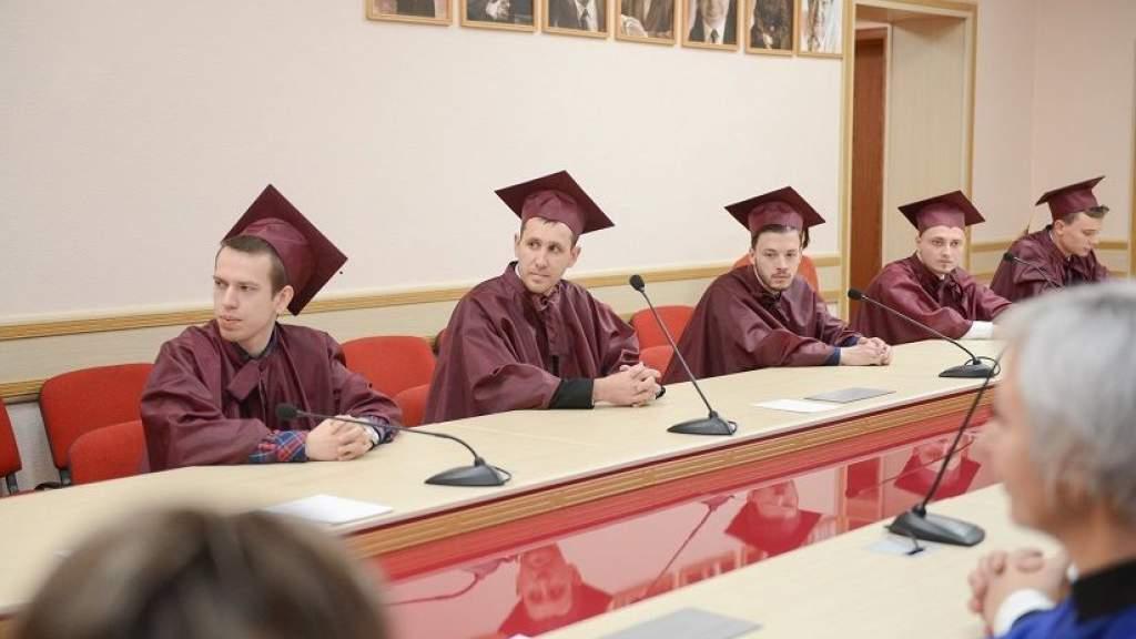 Госдума приняла во втором чтении законопроект об аспирантуре