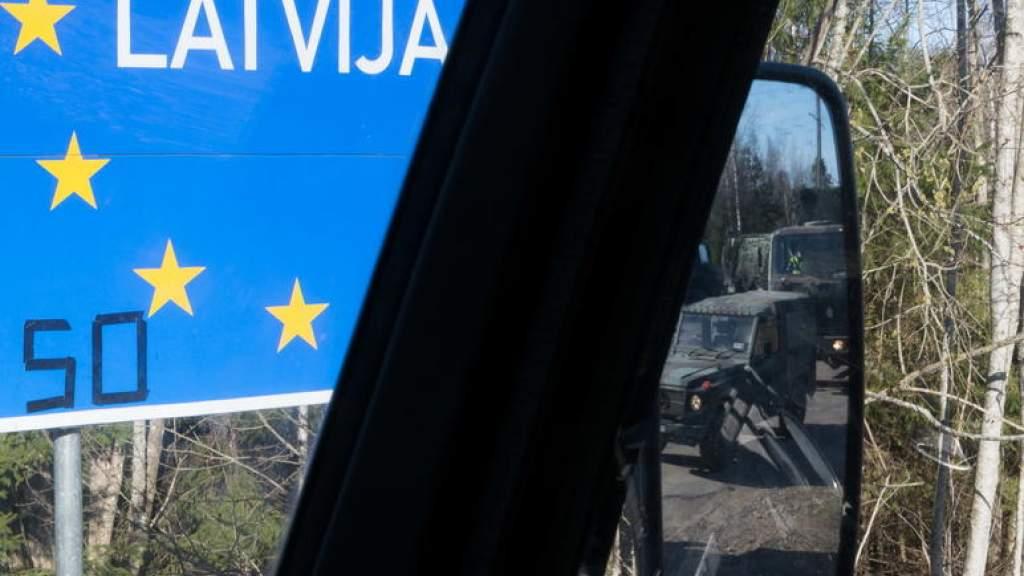 Латвия угрожает жителям Эстонии штрафами за отсутствие анкеты
