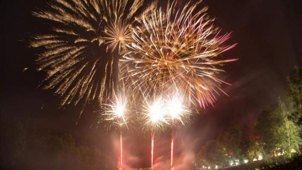 Лиепайское самоуправление отменило семь новогодних салютов