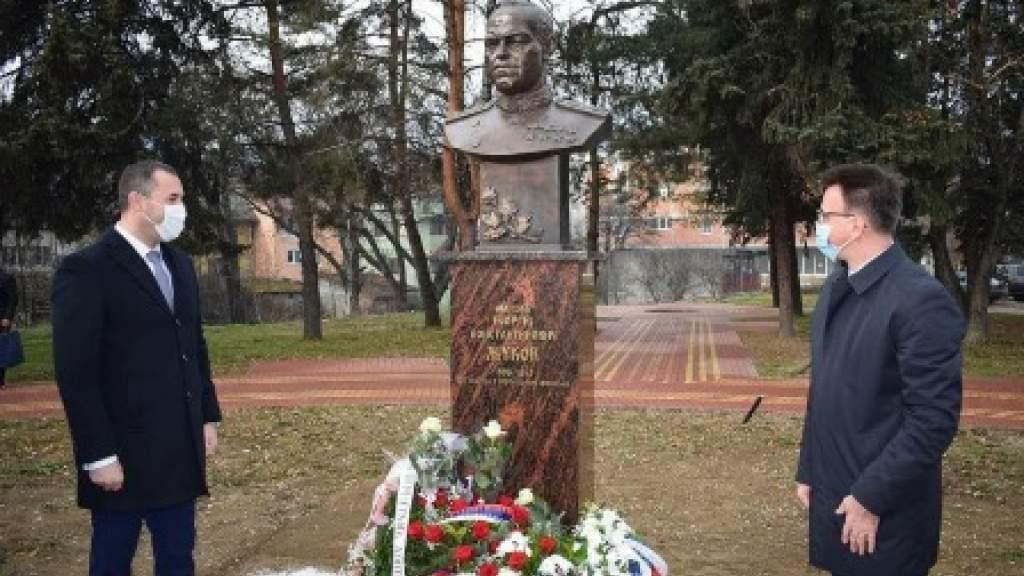 Мемориал в честь маршала Жукова открыли в Черногории