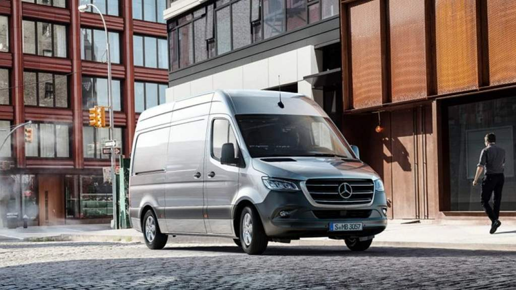 Mercedes-Benz отзывает в России автомобили с проблемными тормозами