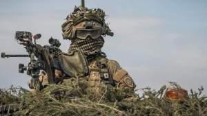 Минобороны оценило военные патрули для борьбы с «безмасочниками» в Риге