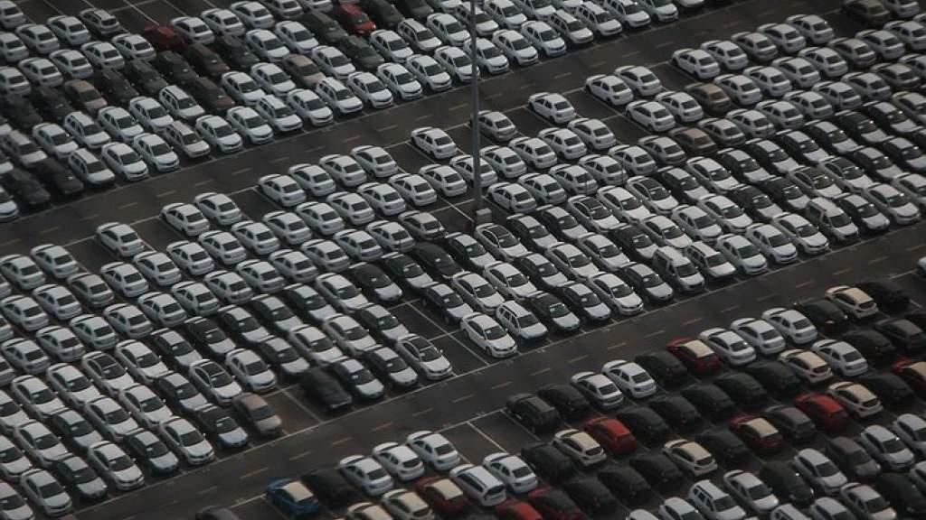 Мировой автомобильный рынок продолжает падать