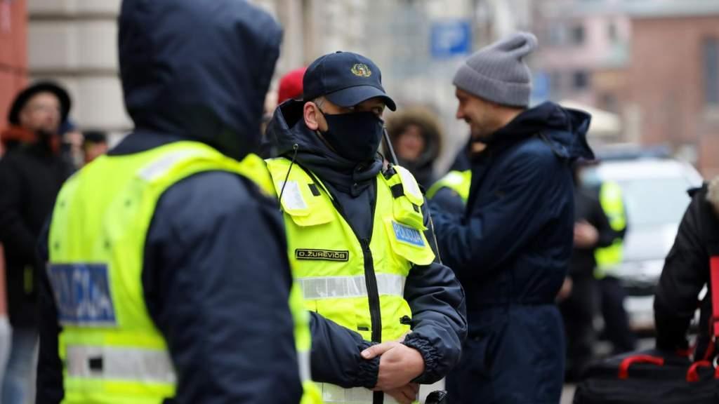 «Про обыски должны трубить все»: Линдерман возмущен игнором латышских СМИ