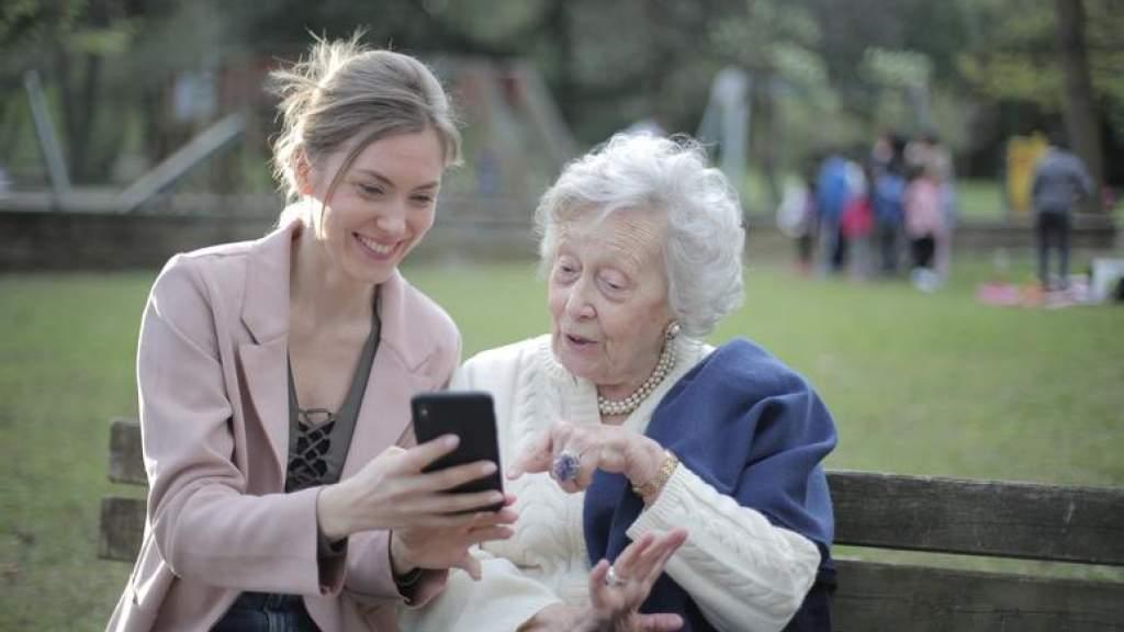 Русскоязычных пожилых людей научат правилам кибербезопасности