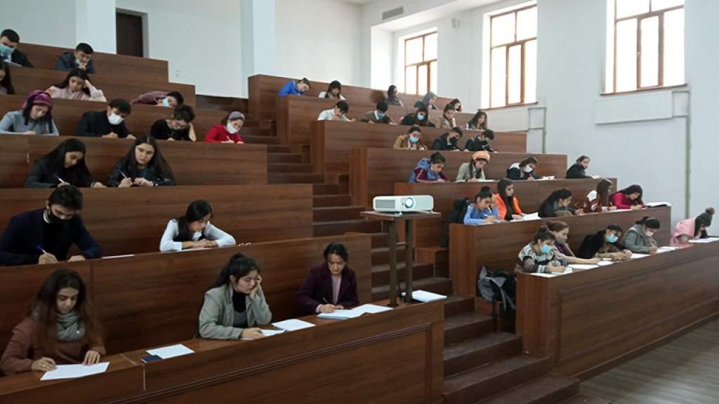 В Душанбе стартовал конкурс творческих работ, посвящённый русскому языку