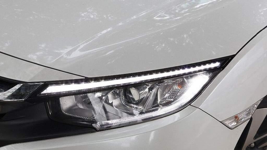 Во сколько обходится для автовладельцев замена светодиодных фар