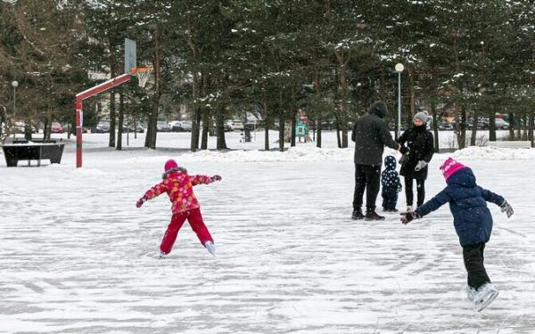 В Пыхья-Таллинне открыли каток