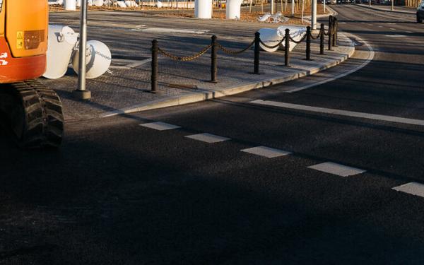 В Таллинне используется производящее солнечную энергию дорожное покрытие
