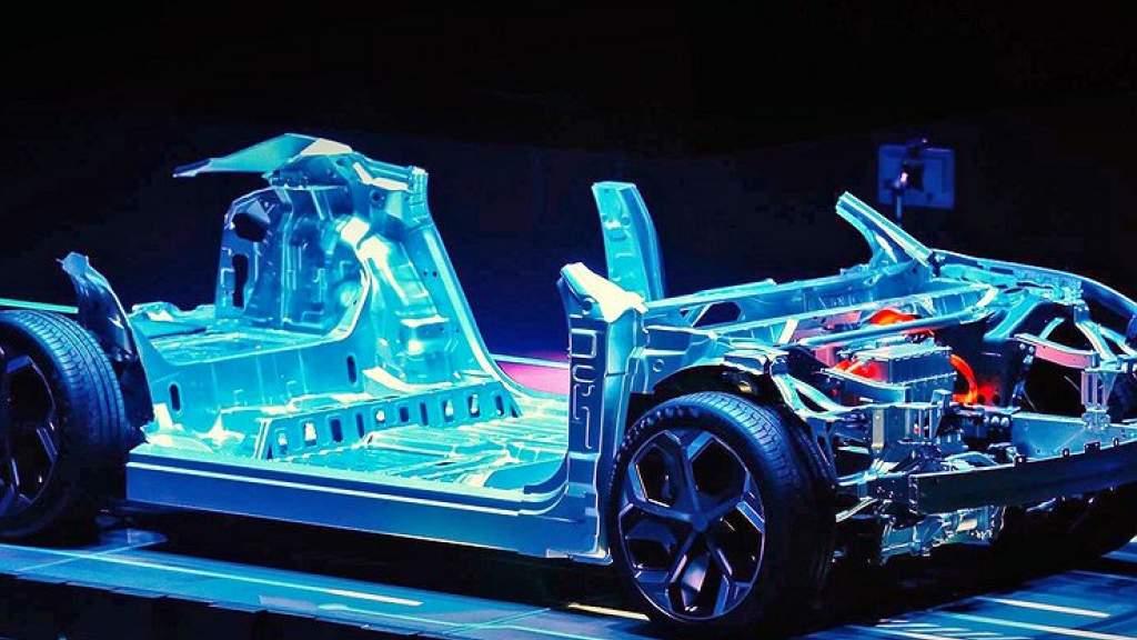 Geely приступает к разработке умных электромобилей с автопилотом