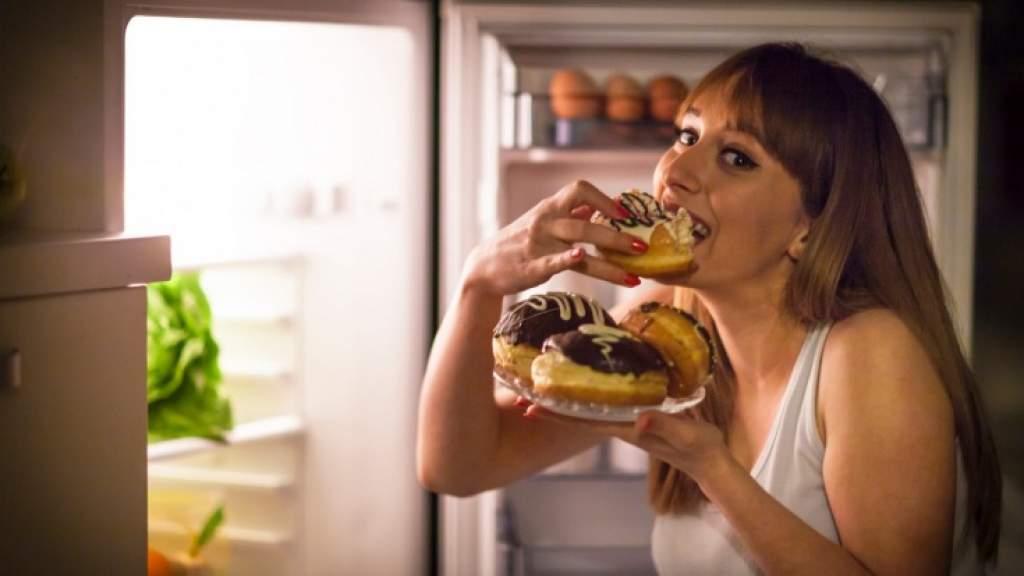 Как понять, что съели слишком много сладкого? Основные сигналы организма