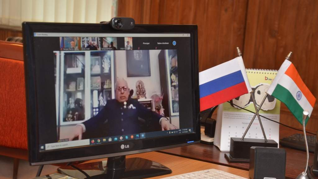 Открытый онлайн-урок по русскому языку для старшеклассников провели в Мумбаи
