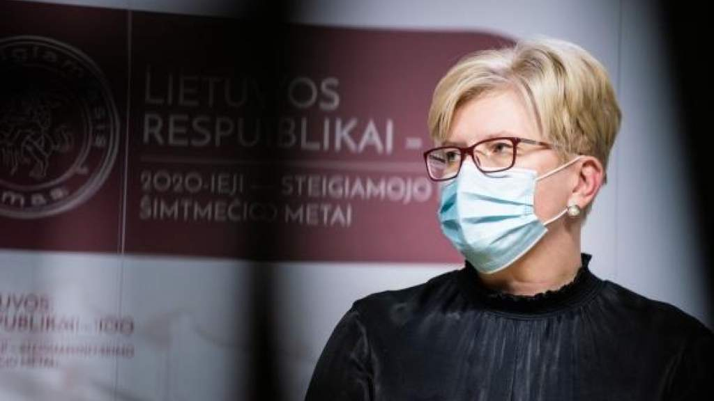 Премьер Литвы: к лету возможно вакцинировать 70% населения, лишь нужны прививки