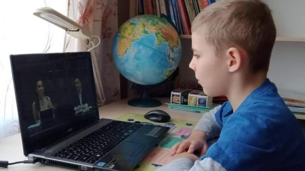 Школьникам Латвии продлевают зимние каникулы и сокращают летние