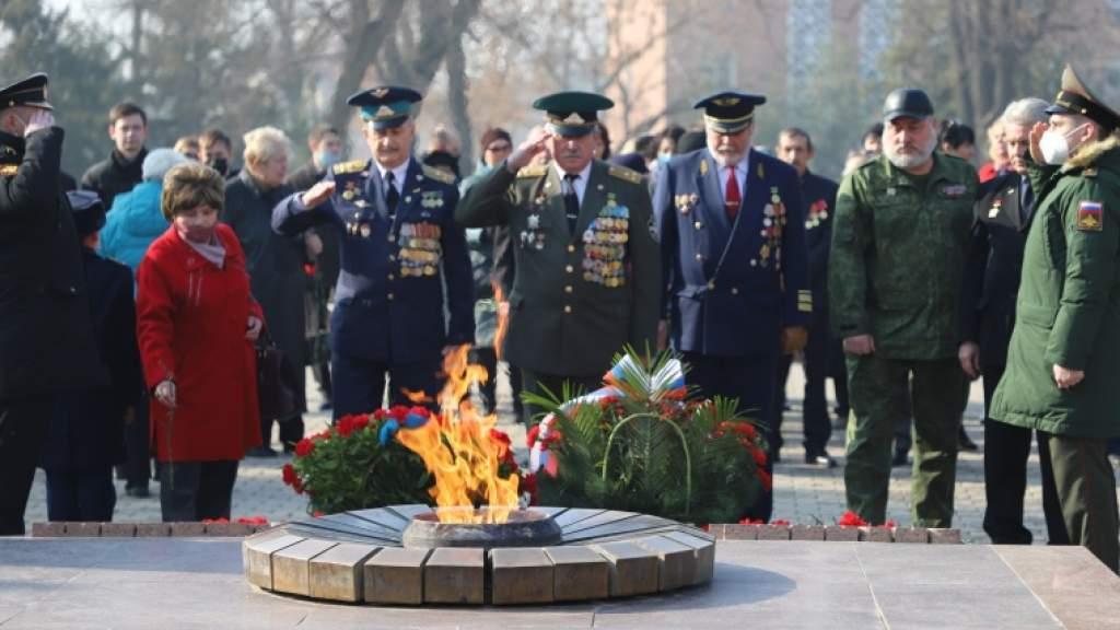 В Ташкенте прошла памятная акция, посвященная 77-й годовщине снятия блокады Ленинграда