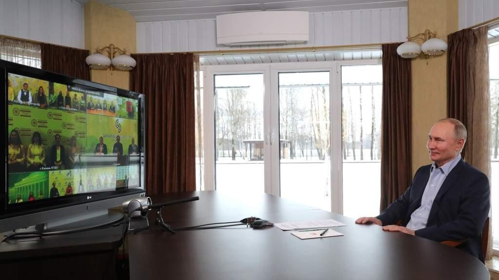Владимир Путин: Будем наращивать число бюджетных мест в вузах