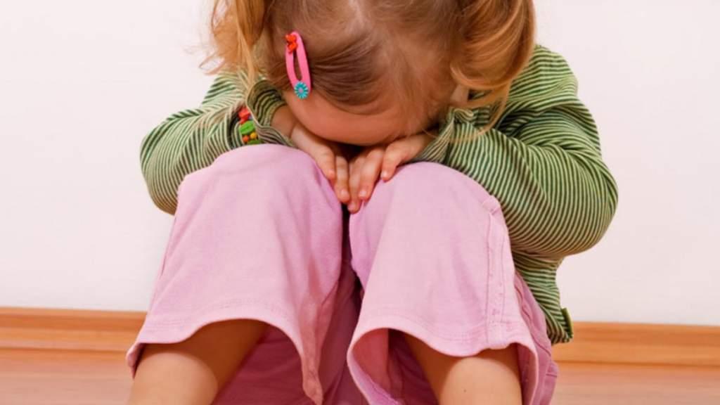 Закрытие 33 русскоязычных детсадовских групп в Риге: что делать родителям?