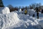 К субботе снежный городок будет построен и возле реки Пирита