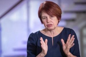 """Лутсар: научный совет рекомендует снова ввести в действие правило """"2+2"""" на улице"""