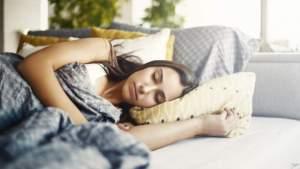 Во сколько нужно ложиться спать и просыпаться? Правда ли качество сна зависит от времени суток?