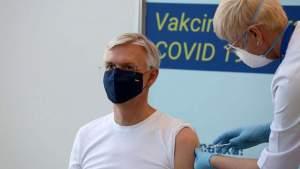 «AstraZeneca» — удивительно хорошая вакцина, и позволять выбирать других производителей нелепо: премьер Латвии