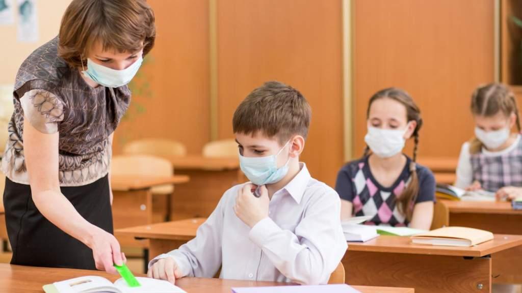 Родители не в состоянии понять планы Минобраза послать младших детей в школу