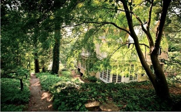 Image of Roland Park courtesy of the Urbanite.