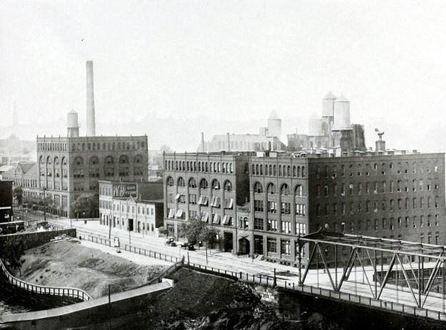 crown-cork-factory-1914
