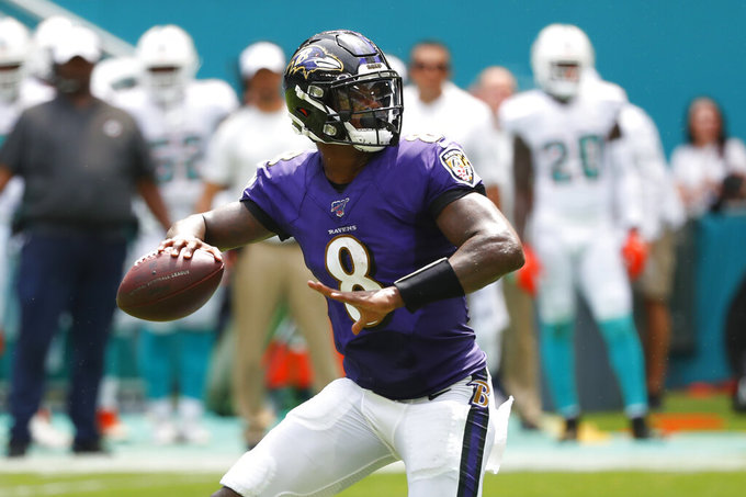 Ravens give Lamar Jackson Saturday practice off to rest throwing arm