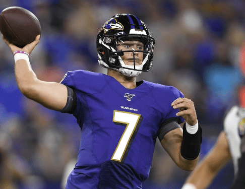 McSorley out with back injury, paving way for Huntley as Ravens backup QB
