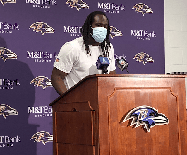 Two years later, Bynes moves back into lineup to calm Ravens' inside linebacker woes