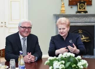 Bundesaußenminister Frank-Walter Steinmeier und Dalia Grybauskaitė, die Präsidentin der Republik Litauen beim Treffen in Vilnius (26.05.2016)