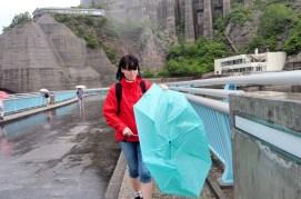Kaisa sliter med vrengt paraply