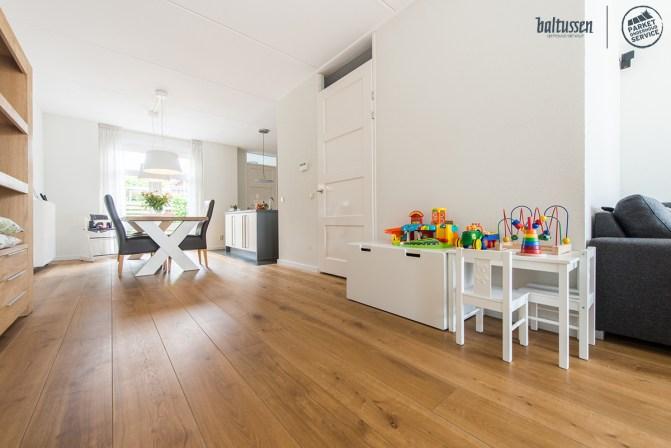 hoe lang gaat een houten vloer mee?