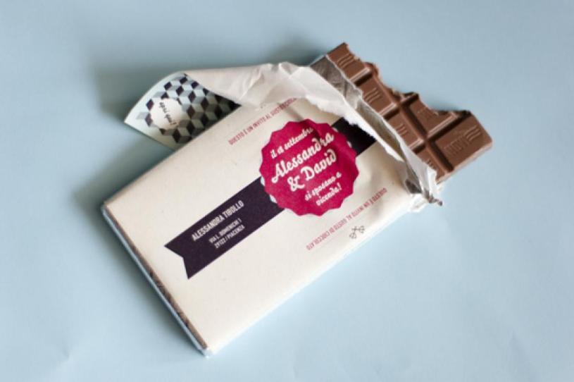 desain undangan pernikahan cokelat