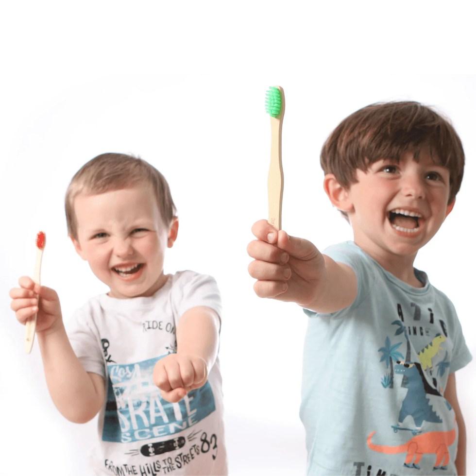 immagine spazzolini da denti per bambini personalizzati