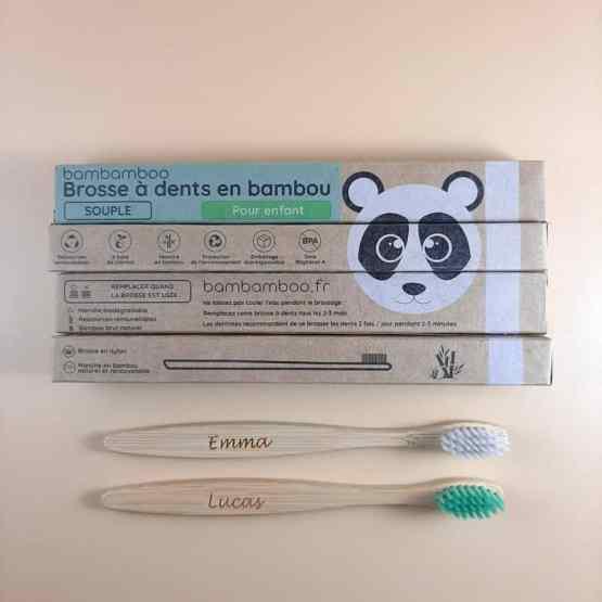 4 brosses à dents enfant avec packagings