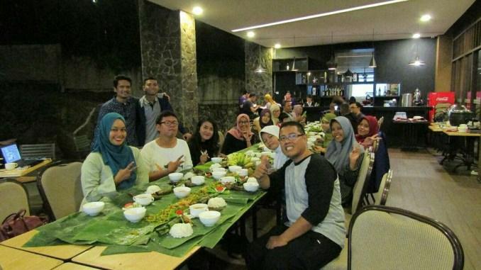 Para blogger yang hadir di kelas blog dan ngeblog bareng blogger di Grand Tjokro Balikpapan