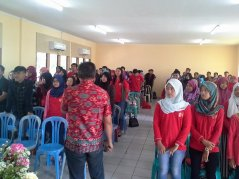 """Pada saat mengisi Seminar """"Change Yourself tobe an Entepreneur @Don Bosco Tangerang, Feb 2016"""