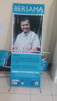 """Pada saat mengisi seminar """"Potensi Teknik Informatika di Sektor Industri & Bisnis"""", Mei 2015 @Univ. Pelita Bangsa"""