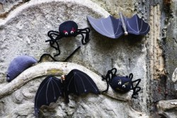 Halloween Creepy Craft Kit from Buttonbag