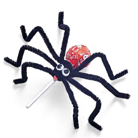 Lollipop Spiders from Spoonful