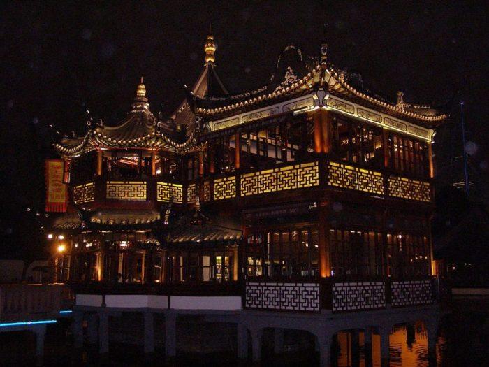 Shanghai Teehaus am Abend