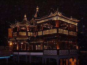 Das Teehaus in der Altstadt ist eine beliebte Sehenswürdigkeit in Shanghai