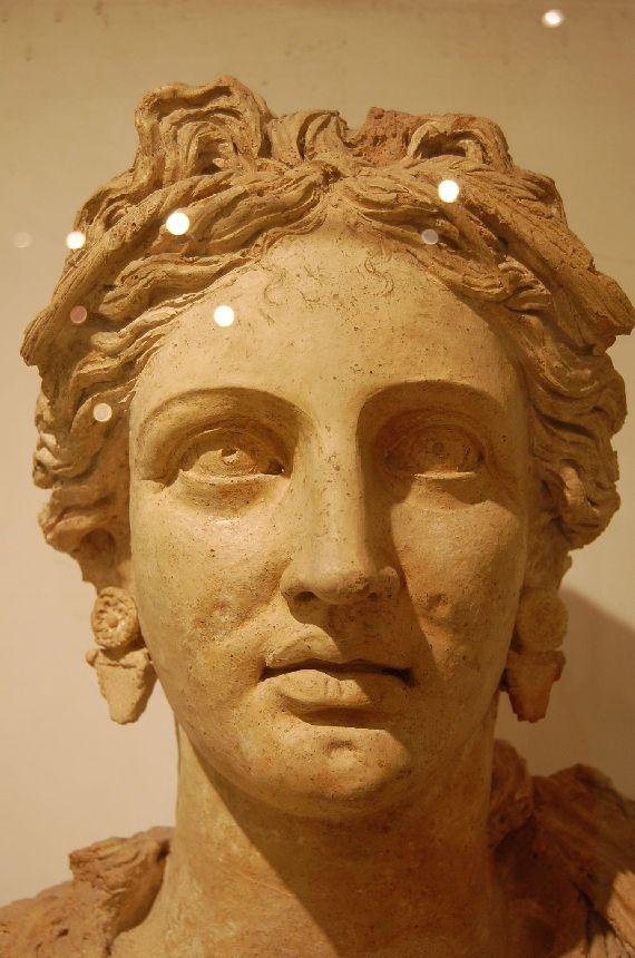 Schönheit antiker Frauenbildnisse