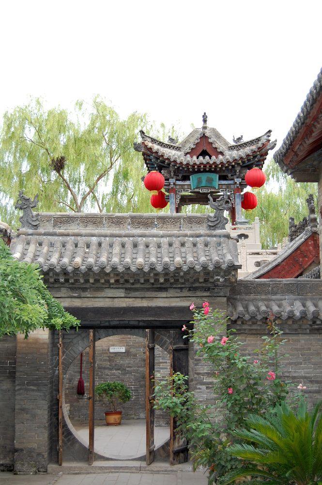 Im Eingangsbereich des Chongning Castle Hotels