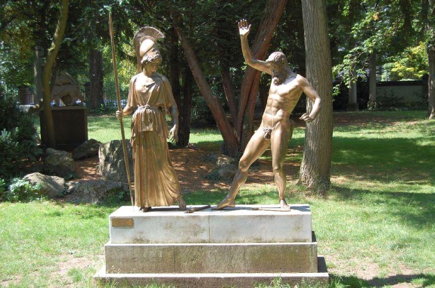 Athena und Marsyas im Garten des Liebieghauses