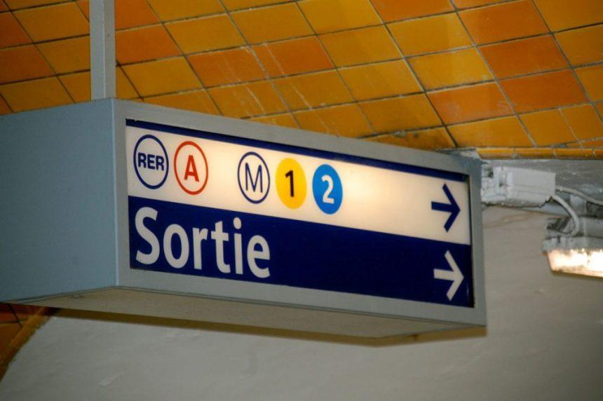 Sortie = Ausgang