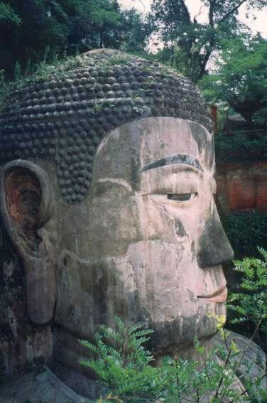 Der Große Buddha von Leshan 1993 - ohne Nebel