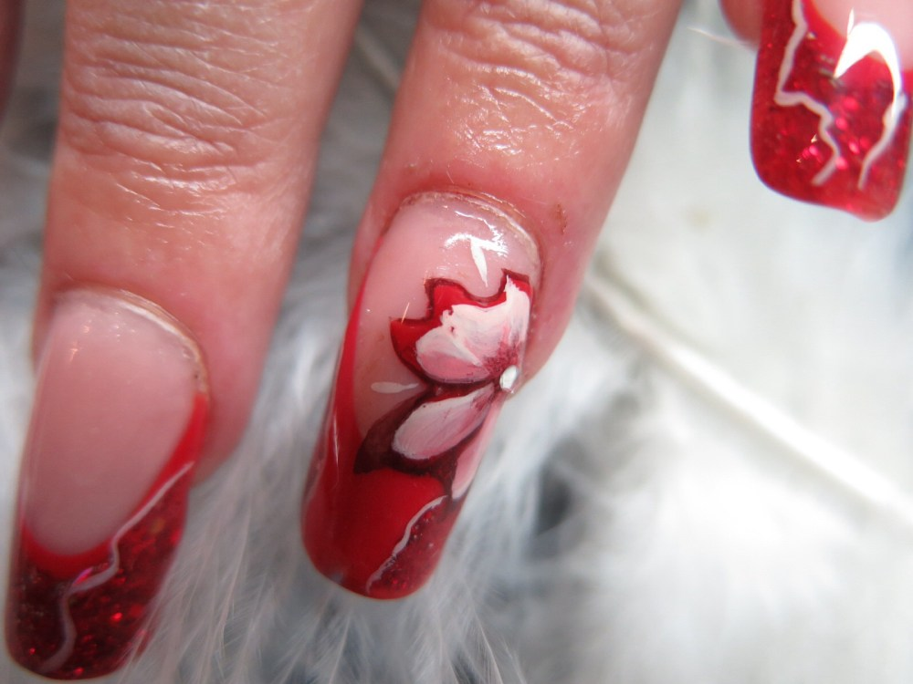 MODELAGE D ONGLES version Pose Artistique : French rouge, Nail Art abstrait et one stroke (3/6)